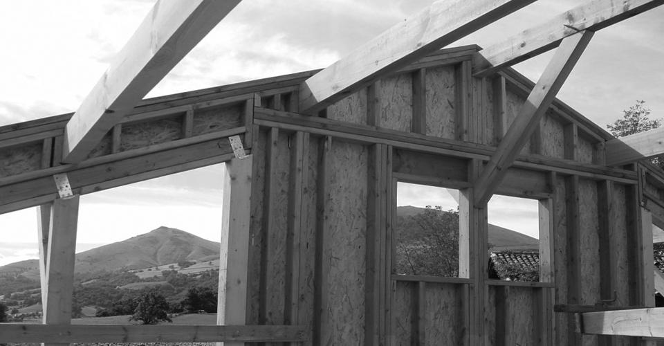 Sur l vation de maison et ajouter un tage pays basque for Entreprise ossature bois